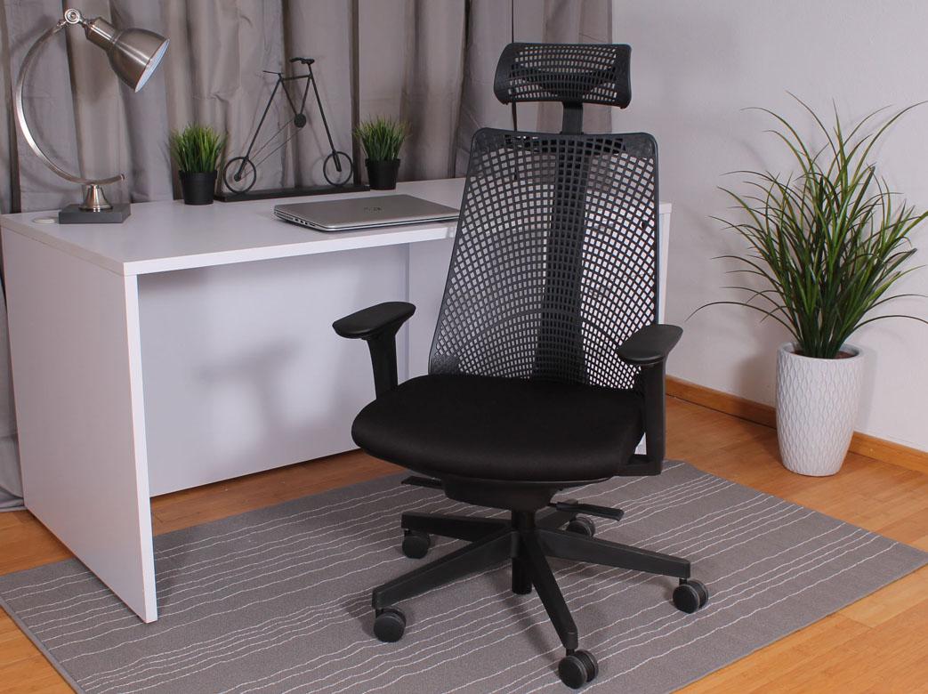 Boss Contemporary Executive Chair With Headrest Bosschair