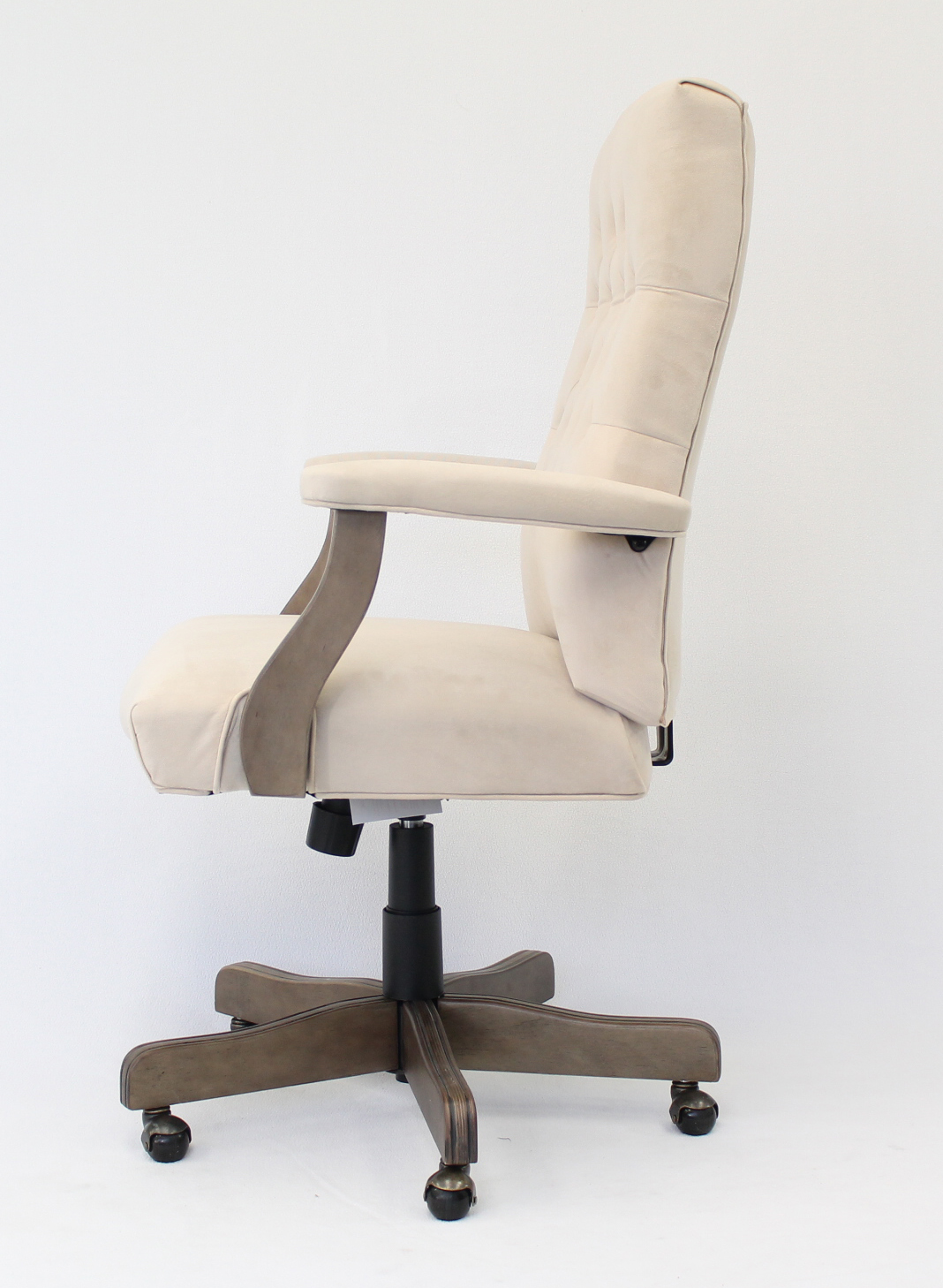Boss Executive Champagne Velvet Chair With Driftwood